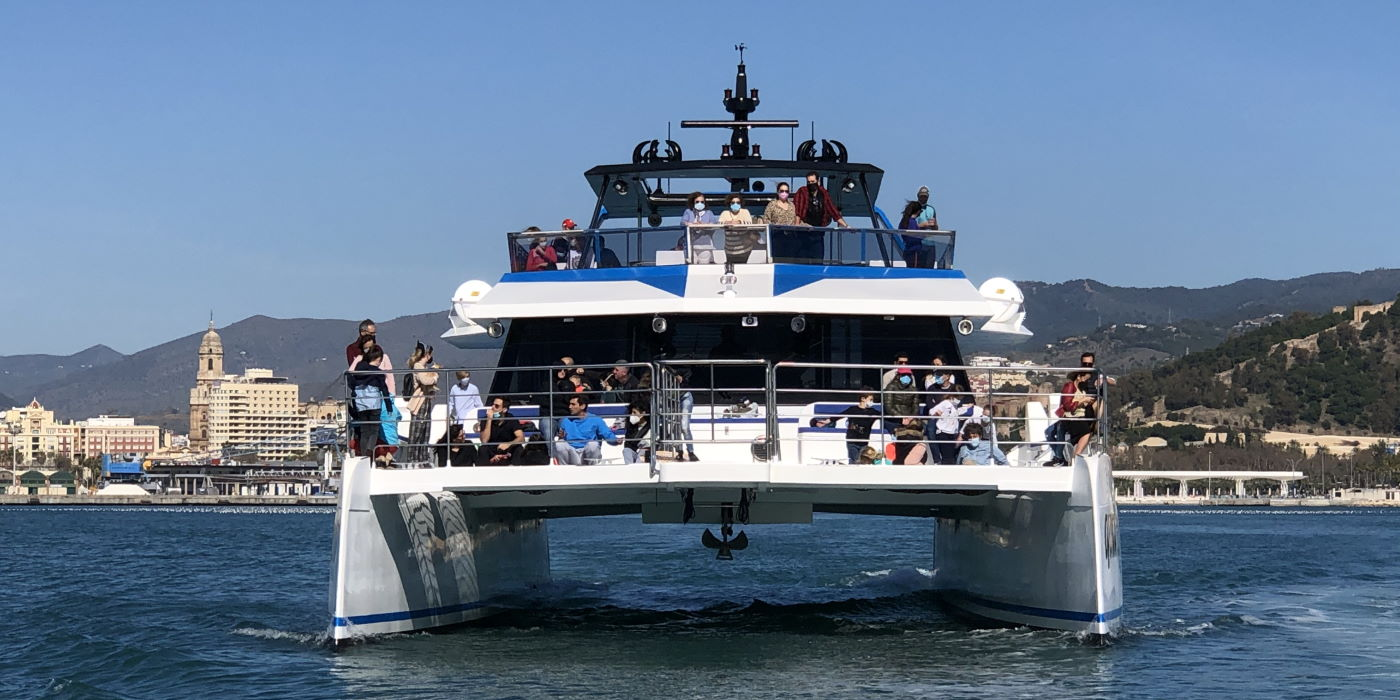 fly blue malaga catamaran paseos barco quattro
