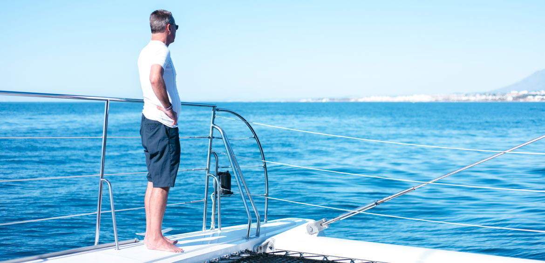 alquiler catamaran paseo barco muelle uno