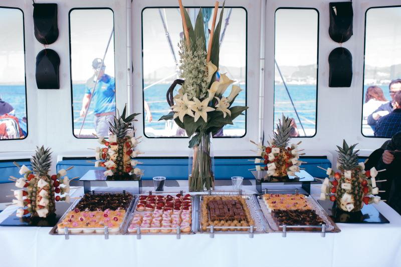 canape-evento-catering-malaga-barco