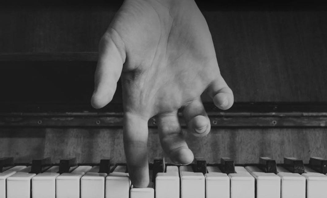 piano-show-portals-malaga-muelle-uno-musica