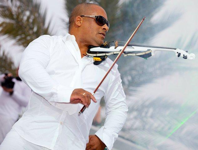 julio cuba violin show music cruise