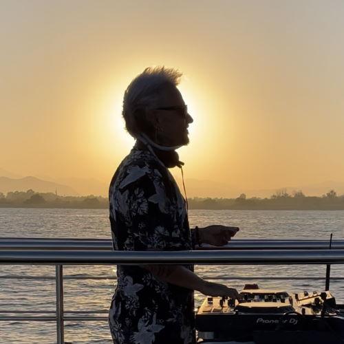 music-cruise-mucho-lau-sol