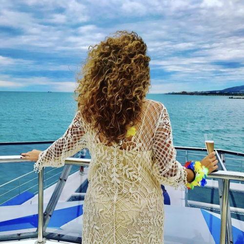 paseo-barco-malaga-catamaran-muelle-uno